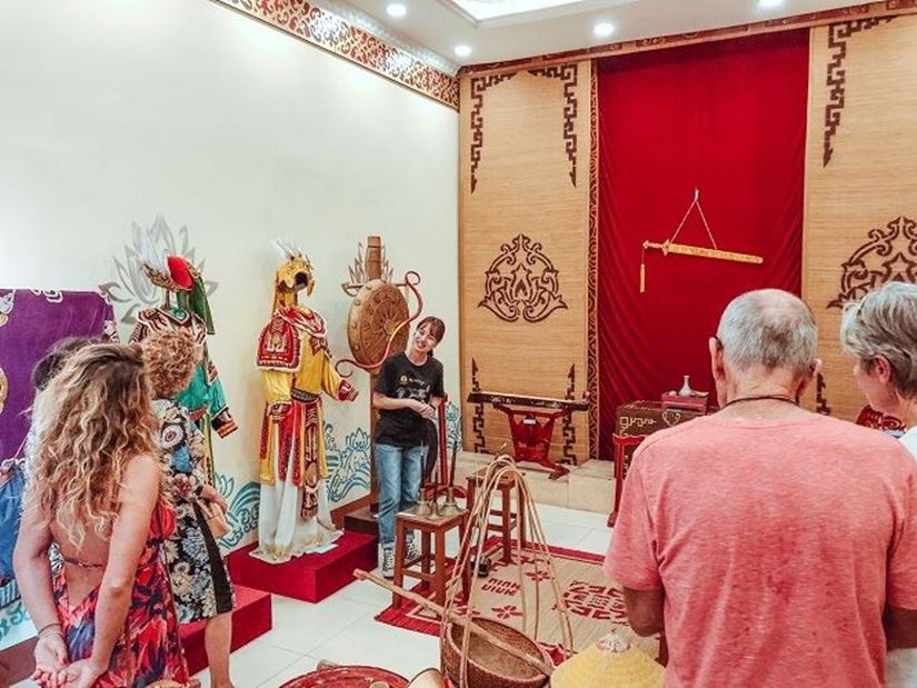 FREE TOUR EXPLORING VIETNAMESE TRADITIONAL STAGE ART