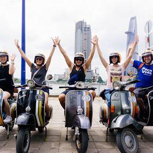 Tour trải nghiệm Vespa tại Sài Gòn